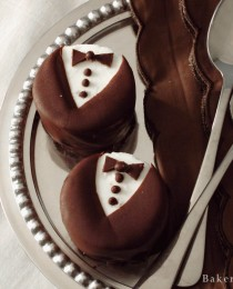 Mini White Chocolate Tuxedo Cheesecake