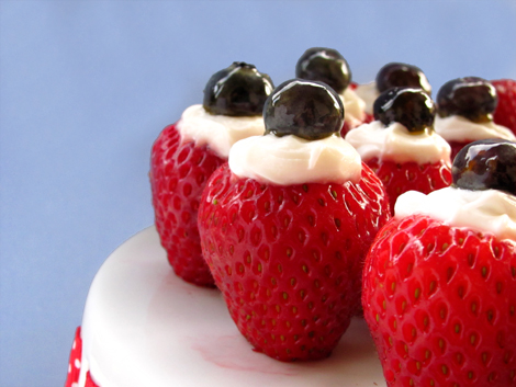 4th of July Dessert: Creme Filled Strawberries