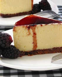Lemon Cheesecake with Balsamic Blackberry Reduction Sauce