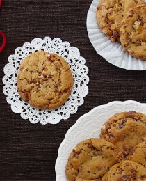 Caramel Creme Toffee Nut Cookies