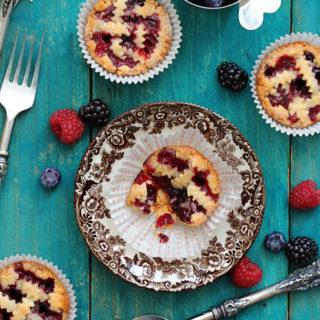 Mini Mixed Berry Pie