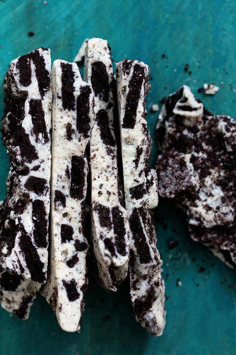 Cookies and Cream Bark  Bakers Royale 31