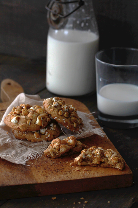 Caramel Corn and Cashew Cookies