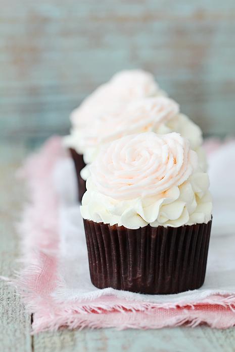 Valentine's Rose Cupcakes