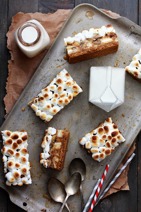 Dulce de Leche Banana Cookies and Cream Bars