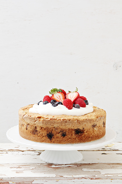 Mixed Berry Cake Bakers Royale