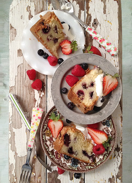 Mixed Berry Cake Bakers Royale1
