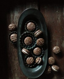 Mocha Crunch Macarons via Bakers Royale 210x260