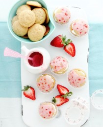 Strawberry Lemonade Whoopie Pies from Bakers Royale 210x260