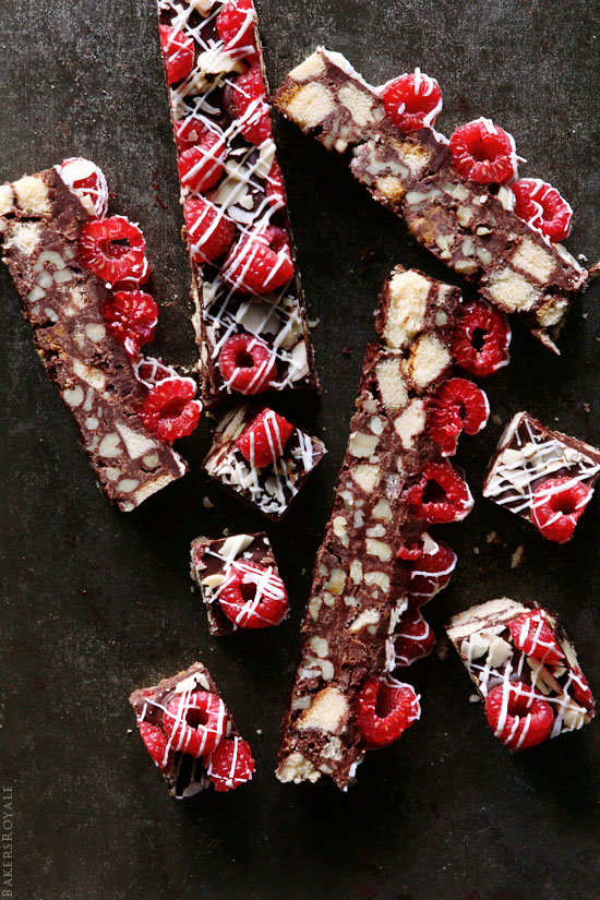 Walnut and Chocolate Cake Bar ~ A fast and easy no-bake recipe via Bakers Royale