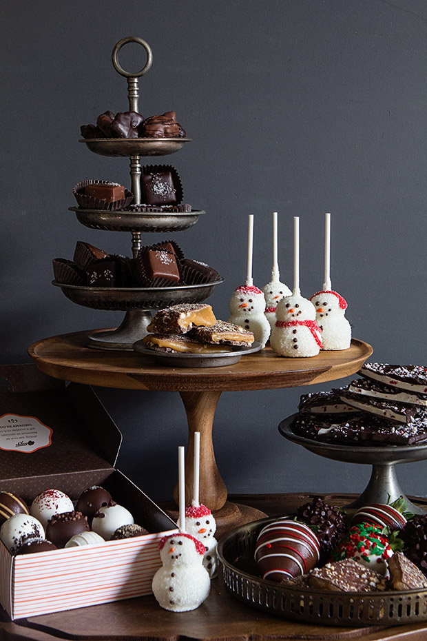See how to create the perfect dessert table