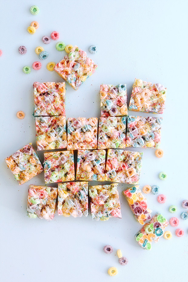 Fruit Loops Marshmallow Bars | Bakers Royale