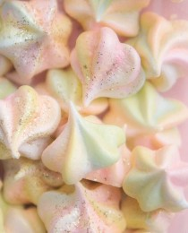Rainbow Meringue Kisses   Bakers Royale 210x260