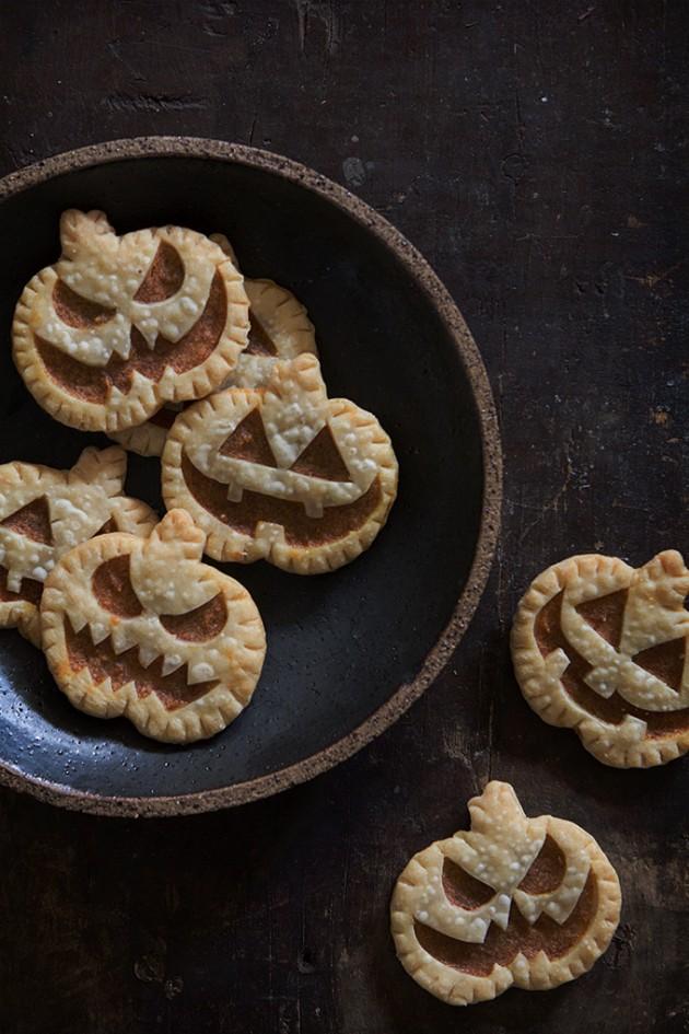 Jack-O-Lantern Pumpkin Hand Pie