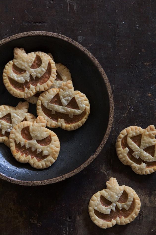 Jack-O-Lantern Pumpkin Hand Pies | Bakers Royale