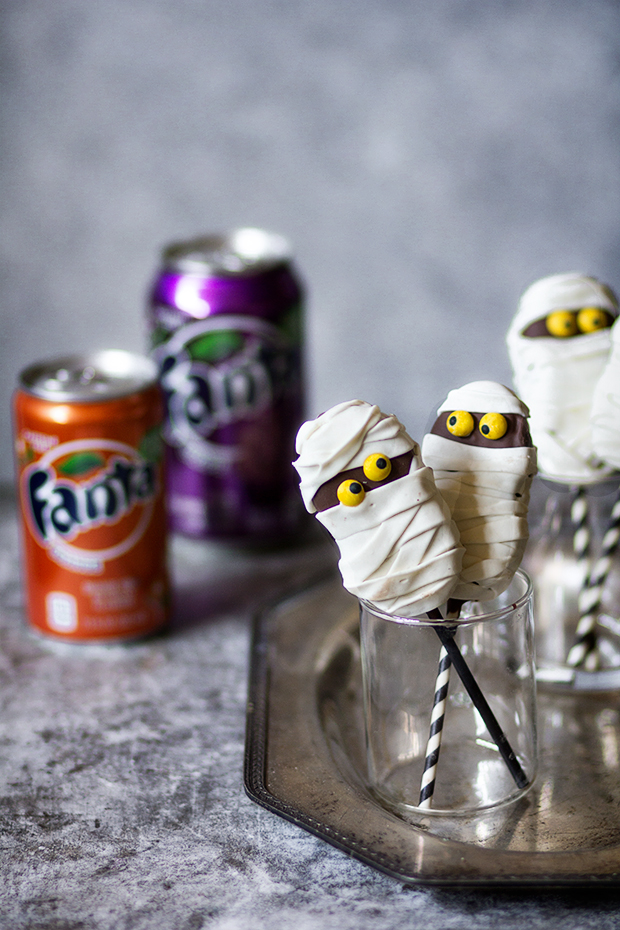 Fluffer Nutter Mummy Cookie Pops | Bakers Royale