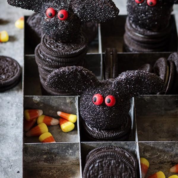 Oreo Truffle Bats Bakers Royale 600x600