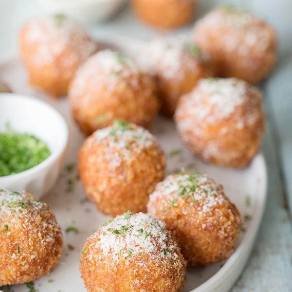 Buffalo Meatballs via Bakers Royale 600x600