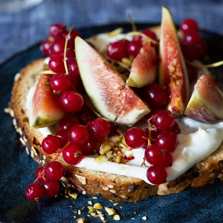 fig and currant toast with honey whipped mascarpone