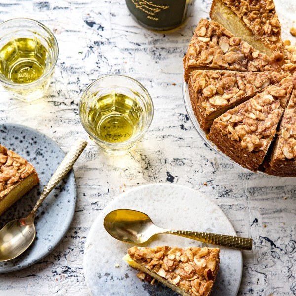 almond-pear-cake-bakers-royale