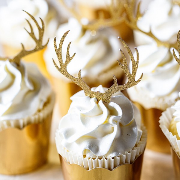Holiday Cupcakes via Bakers Royale 600x600