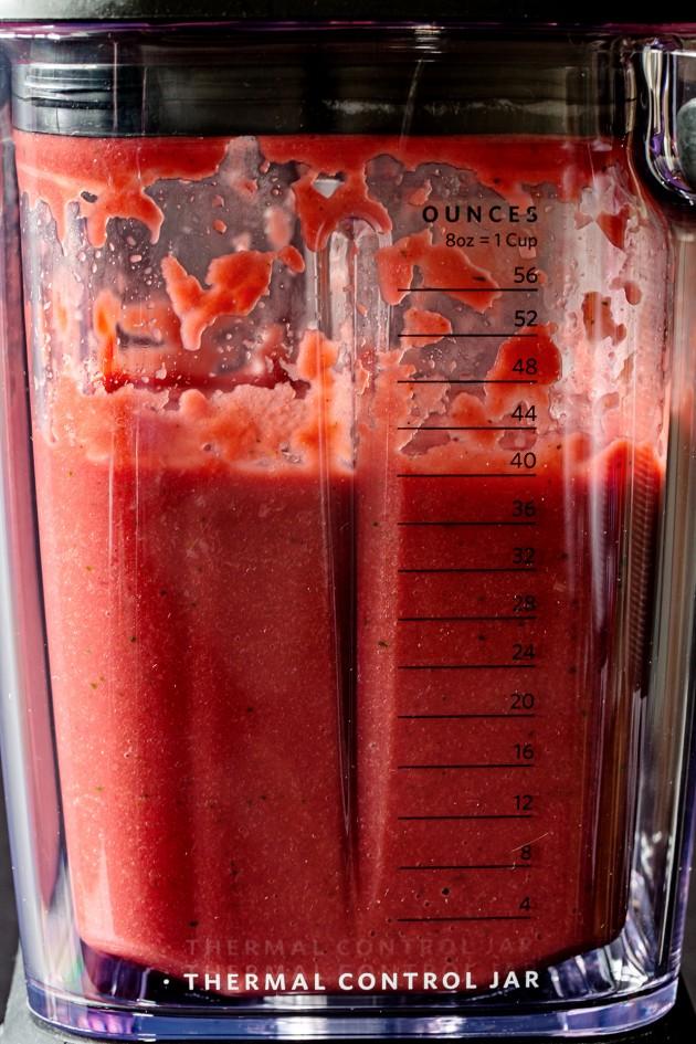 kitchenaid-pro-line-series-blender-beet-soup-bakers-royale