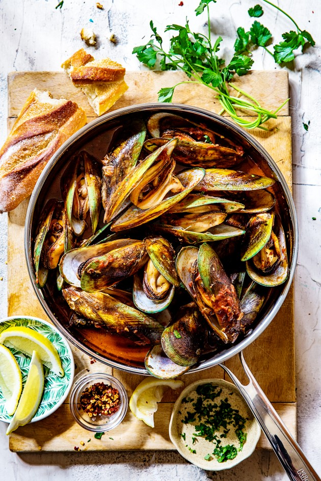 steamed-mussels-bakers-royale-1
