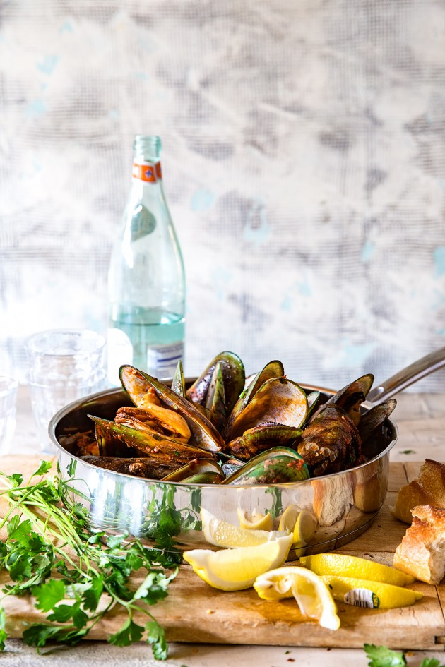 steamed-mussels-bakers-royale
