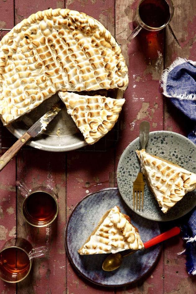 Pumpkin Chai Marshmallow Pie for an Aldi Friendsgiving