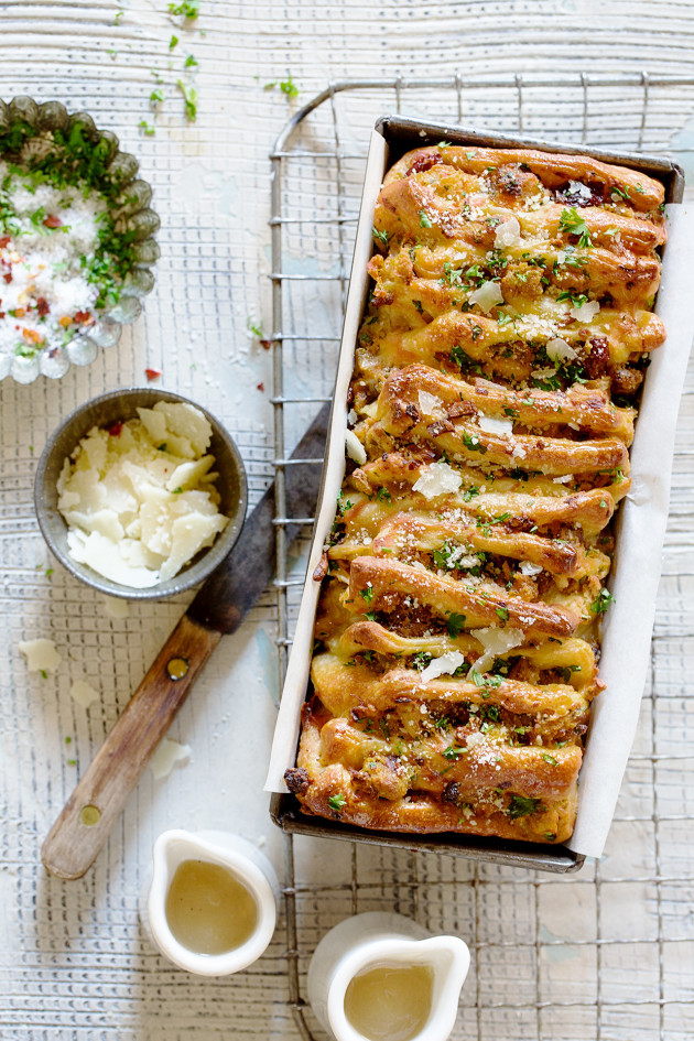 Thanksgiving Leftover Pull-Apart Bread - Bakers Royale copy