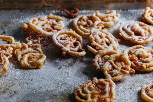 Easy Funnel Cakes Recipe