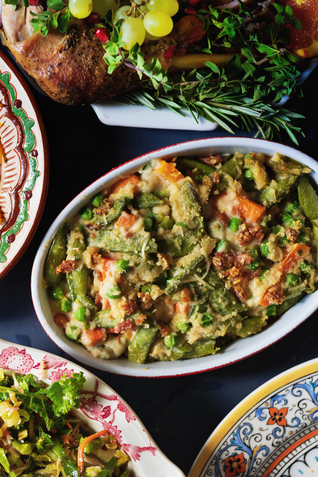 Green and Vegetable Casserole | Bakers Royale #thanksgivingsides #thanksgiving #vegetablecasserole