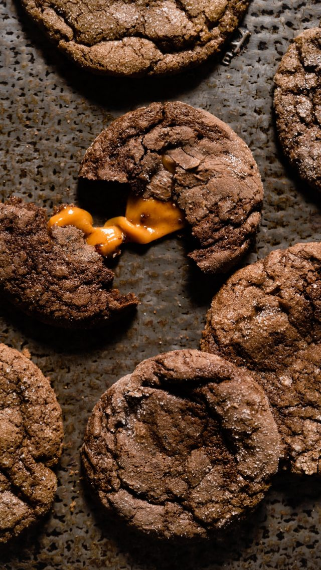 Caramel Stuffed Brownie Cookies! Get it. This is going to knock your socks off!  #brownie #bakingtherapy #reels #instabake #easyrecipes #cookiesofinstagram #howtobake #desserts #bakers