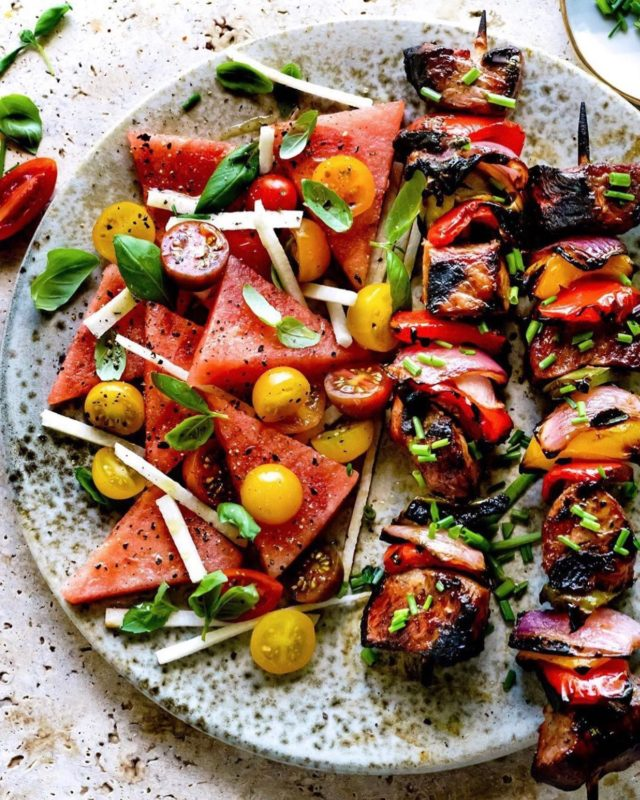 My family expected real food for dinner tonight, not leftover Krispy Kreme from breakfast 🙄  So I pulled together this ensemble: Grilled Beef Kabobs with a Watermelon and Tomato Salad. 💥👊 #winning #summervibes  #grilled #grilling  #instafood #BHGfood #tastingtable #thekitchn #healthyeating #healthyfoodie #foodandwine