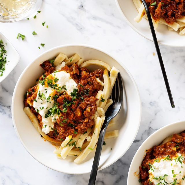 Chorizo Bolognese - Cozy weekend calls for a cozy bowl of this and for straight up being lazy. To-do list be damn. - #comfortfood #getinmybelly #whatsonmyplate #lunchtime