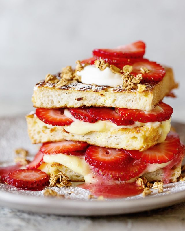 What is everyone eating tonight, especially to heal after yesterday's crazy?!!  I'm wishing for a stack of this Strawberry Shortcake French Toast bc sweets are my comfort food. Instead dinner is donuts and coffee while editing for a deadline 😬 - #breakfast #brunch #frenchtoast #strawberries🍓  #dessertfirst