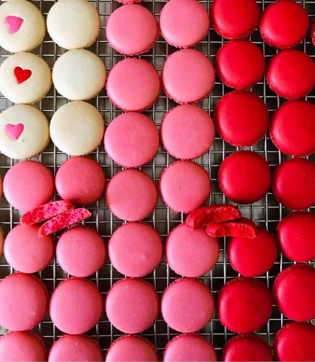 Who's baking for Valentine's? This is an oldie shot, but Valentine's is coming so you know v-day glam macs are too. Stay tuned! - #macarons #macs #valentinesdessert #valentinescookies #macaronstagram #baking #bakersgonnabake #sweettreats #bakingwithlove