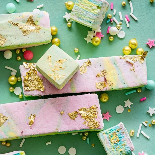 Rainbow Marshmallows (made without corn syrup!) because it's almost St. Patrick's and who has ever said no to rainbow anything ?!! - Recipe in bio or go to Google and type in Rainbow Marshmallows Bakers Royale. - #bakersofinstagram #bakersgonnabake #marshmallow #candymaking #sweettreats #homemadesweets  #dessertporn