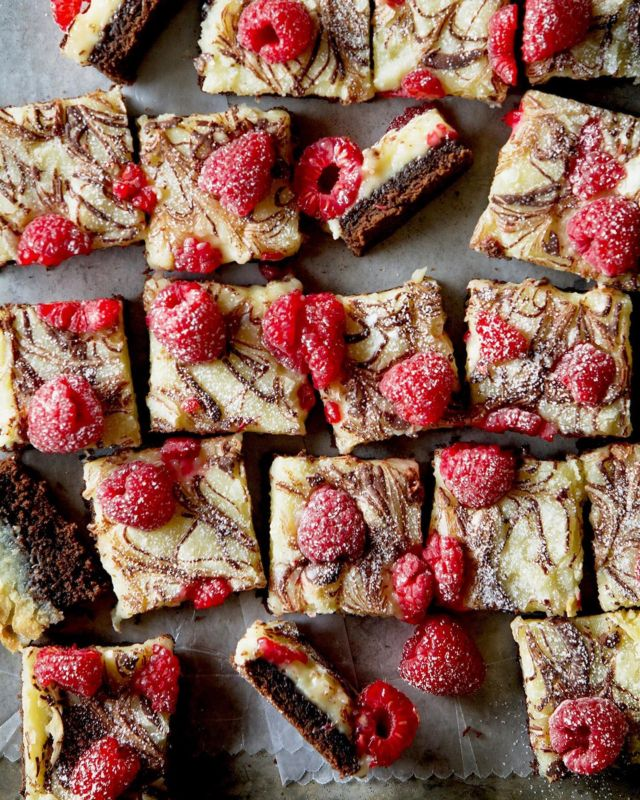 Double Decker Ooey Gooey Bars - Come and get it! We all need the extra fat for winter. Who's in? - #baking #bakersgonnabake #sweettreats #madefromscratch #dessert #brownies #ooeygooey